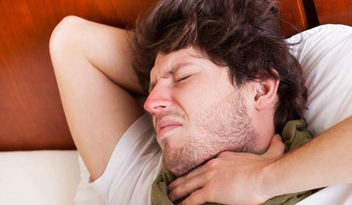 早期食道癌有一个典型症状!可惜很多人忽略了