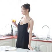 依丝特 性感露背肩带裙 1062 黑色 1件